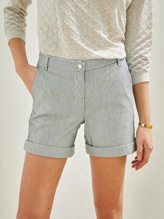 Damen-Shorts, Bermudas-Gestreifte Damen Chino-Shorts in Blau und Ecru